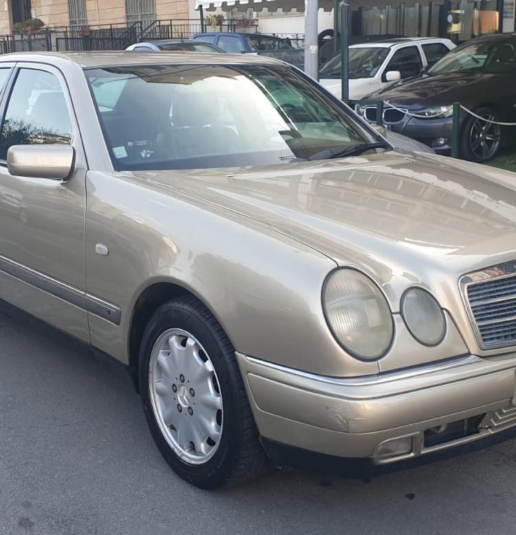 E200 (1)